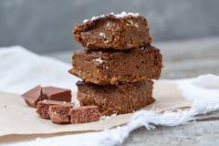 Κολοκύθα σοκολάτας brownies με τις φέτες της σοκολάτας Στοκ εικόνες με δικαίωμα ελεύθερης χρήσης