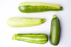 Κολοκύθια, πράσινη θερινή κολοκύνθη στο λευκό Στοκ Εικόνες