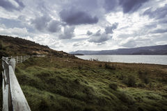 Κολομβιανά λίμνη και τοπίο βουνών Στοκ Φωτογραφία