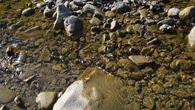 Κολπίσκος με το σαφές τρεχούμενο νερό απόθεμα βίντεο