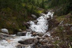 Κολπίσκος στα βουνά - εικόνα αποθεμάτων Στοκ φωτογραφίες με δικαίωμα ελεύθερης χρήσης