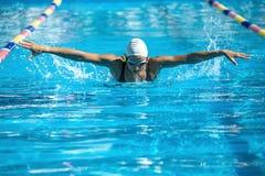 Κολυμβητής ύφους πεταλούδων Στοκ εικόνα με δικαίωμα ελεύθερης χρήσης