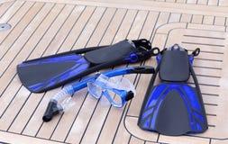 Κολυμπήστε με αναπνευτήρα σωλήνας και βατραχοπέδιλα μασκών Στοκ φωτογραφία με δικαίωμα ελεύθερης χρήσης