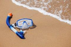 Κολυμπώντας με αναπνευτήρα μάσκα στοκ εικόνες