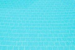 κολυμπώντας ύδωρ ομπρελών λιμνών Στοκ Φωτογραφία