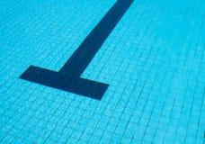 κολυμπώντας ύδωρ ομπρελών λιμνών Στοκ φωτογραφίες με δικαίωμα ελεύθερης χρήσης