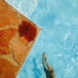 κολυμπώντας ύδωρ ομπρελών λιμνών Στοκ Φωτογραφίες