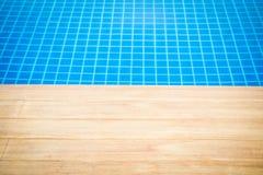 κολυμπώντας ύδωρ ομπρελών λιμνών Στοκ Εικόνα