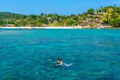Κολύμβηση με αναπνευστήρα στην Ταϊλάνδη Στοκ Εικόνες