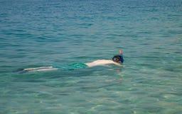 Κολύμβηση με αναπνευστήρα στοκ εικόνες