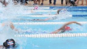 κολύμβηση παιδιών απόθεμα βίντεο