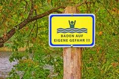 Κολύμβηση στον κίνδυνο Στοκ Φωτογραφίες