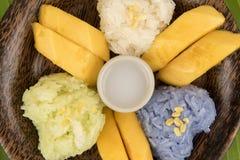 Κολλώδες ρύζι μάγκο, διάσημο επιδόρπιο της Ταϊλάνδης Στοκ φωτογραφία με δικαίωμα ελεύθερης χρήσης
