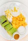 Κολλώδη ρύζι και μάγκο Στοκ Φωτογραφία