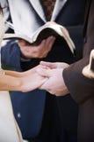 κράτημα χεριών τελετής Στοκ Φωτογραφία