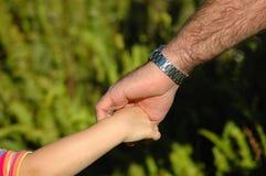 κράτημα χεριών στοκ φωτογραφίες με δικαίωμα ελεύθερης χρήσης