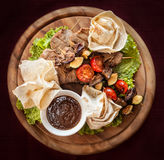 Κρέας και φυτικές λιχουδιές στοκ εικόνες με δικαίωμα ελεύθερης χρήσης