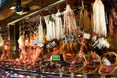 Κρέας λιχουδιών στην καλυμμένη Boqueria αγορά Λα Στοκ εικόνα με δικαίωμα ελεύθερης χρήσης