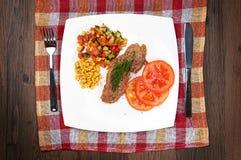 Κρέας με τα λαχανικά Στοκ φωτογραφίες με δικαίωμα ελεύθερης χρήσης