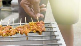 Κρέας μπριζόλας χοιρινού κρέατος bbq στο τηγάνι σχαρών Στοκ Εικόνα
