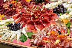 Κρέατα και επιλογή τυριών Στοκ εικόνες με δικαίωμα ελεύθερης χρήσης