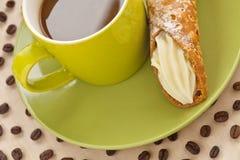 Κρέμα και καφές μπισκότων Στοκ Φωτογραφία