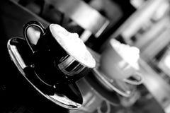 κρέμα καφέ που κτυπιέται Στοκ Φωτογραφίες