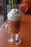 κρέμα καφέ που κτυπιέται Στοκ φωτογραφίες με δικαίωμα ελεύθερης χρήσης