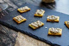 Κρέμα μελιτζάνας στις κροτίδες Κροατική κουζίνα στοκ φωτογραφία με δικαίωμα ελεύθερης χρήσης