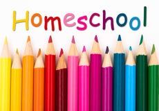 Κραγιόνια μολυβιών με το κείμενο Homeschool Στοκ φωτογραφία με δικαίωμα ελεύθερης χρήσης