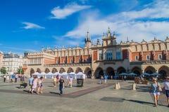 ΚΡΑΚΟΒΙΑ, ΠΟΛΩΝΙΑ - 4 ΣΕΠΤΕΜΒΡΊΟΥ 2016: Αίθουσα υφασμάτων στο τετράγωνο αγοράς στην Κρακοβία, Pola στοκ φωτογραφία με δικαίωμα ελεύθερης χρήσης