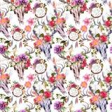 Κρανία ελαφιών, λουλούδια, catchers ονείρου - dreamcatcher πρότυπο άνευ ραφής watercolor Στοκ εικόνα με δικαίωμα ελεύθερης χρήσης
