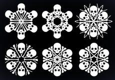 Κρανία και κόκκαλα snowlakes ευχάριστα Στοκ φωτογραφία με δικαίωμα ελεύθερης χρήσης