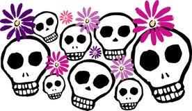 Κρανία και λουλούδια Ελεύθερη απεικόνιση δικαιώματος