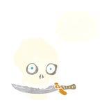 κρανίο πειρατών κινούμενων σχεδίων με το μαχαίρι στα δόντια με τη σκεπτόμενη φυσαλίδα Στοκ εικόνα με δικαίωμα ελεύθερης χρήσης
