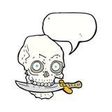 κρανίο πειρατών κινούμενων σχεδίων με το μαχαίρι στα δόντια με τη λεκτική φυσαλίδα Στοκ Εικόνες
