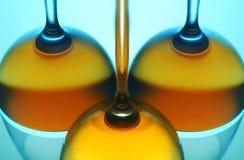 κρασί αντανάκλασης γυαλ στοκ φωτογραφία