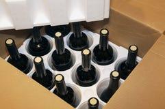 κρασί αποστολών κιβωτίων Στοκ εικόνα με δικαίωμα ελεύθερης χρήσης