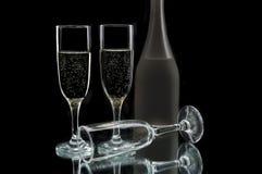 κρασί γυαλιών μπουκαλιών Στοκ φωτογραφία με δικαίωμα ελεύθερης χρήσης