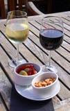 κρασί ελιών καρυδιών Στοκ φωτογραφίες με δικαίωμα ελεύθερης χρήσης