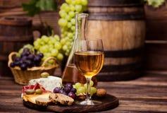 Κρασί και τυρί Στοκ εικόνα με δικαίωμα ελεύθερης χρήσης