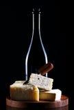 Κρασί και φρέσκο τυρί στοκ φωτογραφία με δικαίωμα ελεύθερης χρήσης