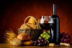 Κρασί και ψωμί Στοκ Φωτογραφίες
