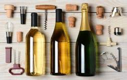 Κρασί και CHAMPAGNE με τα εξαρτήματα Στοκ Φωτογραφία
