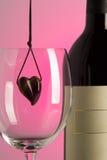 κρασί καρδιών στοκ φωτογραφία με δικαίωμα ελεύθερης χρήσης