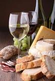 κρασί λουκάνικων τυριών Στοκ Εικόνες