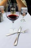 Κρασί με το μεσημεριανό γεύμα Στοκ φωτογραφίες με δικαίωμα ελεύθερης χρήσης