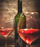 Κρασί στο πράσινο μπουκάλι Στοκ Εικόνες