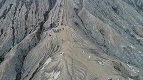Κρατήρας του ηφαιστείου Bromo, ανατολική Ιάβα, Ινδονησία, εναέρια άποψη απόθεμα βίντεο