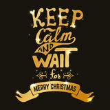 Κρατήστε ήρεμος και περιμένετε τη Χαρούμενα Χριστούγεννα Συρμένη χέρι εγγραφή μέσα ελεύθερη απεικόνιση δικαιώματος